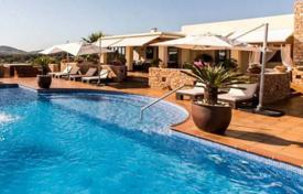 Luxury 6 bedroom villas and houses to rent in Spain. Villa with a guest apartment, Ibiza, Spain