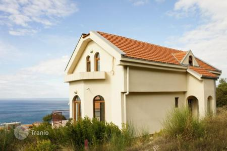 4 bedroom houses for sale in Budva. Villa with sea views in Blizikuce, Budva