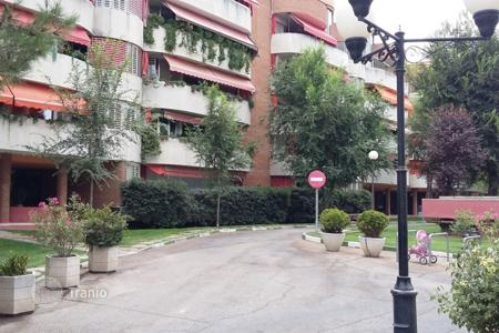 Cheap 4 bedroom apartments for sale in Madrid. Apartment - Pinto, Madrid, Spain