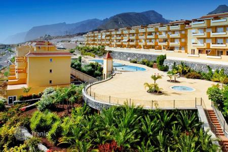 3 bedroom apartments for sale in Canary Islands. Apartment with ocean view