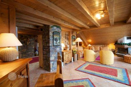 Apartments to rent in French Alps. Apartment – Meribel, Auvergne-Rhône-Alpes, France
