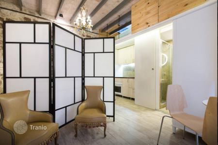 Apartments for sale in Ciutat Vella. Commercial property in the most touristic area of Barcelona, in Born — Santa Caterina made as studio. TOTALLY RENOVATED