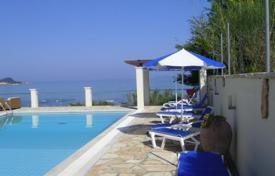 5 bedroom villas and houses by the sea to rent in Administration of the Peloponnese, Western Greece and the Ionian Islands. Villa – Corfu, Administration of the Peloponnese, Western Greece and the Ionian Islands, Greece