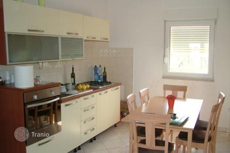 Residential for sale in Peroj. Apartment