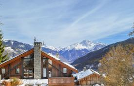 Residential for sale in Auvergne-Rhône-Alpes. Spacious chalet with a unique view!
