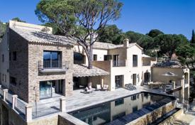 4 bedroom villas and houses to rent in Andalusia. Villa Palencia, El Madronal, Marbella