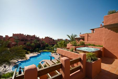 3 bedroom houses for sale in Estepona. Stunning Frontline Duplex Penthouse in Torre Bermeja, Estepona