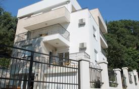 Coastal houses for sale in Petrovac. Villa on the first line in Petrovac