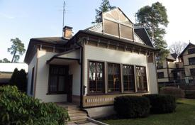 Coastal property for sale in Latvia. Two-storey separate house with a parcel of land at 150 m from sea
