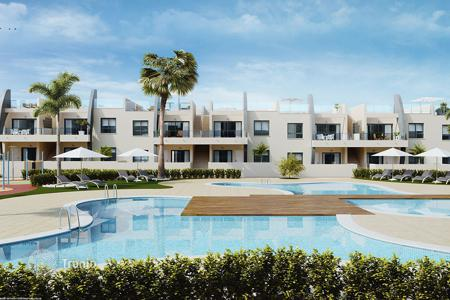 Coastal apartments for sale in Mil Palmeras. Apartment with private solarium 400 metres from the beach in Mil Palmeras