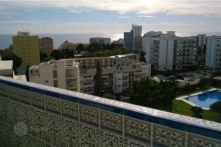 Cheap 2 bedroom apartments for sale in Arroyo de La Miel. Аpartment with sea and mountain views