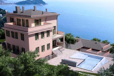 Apartments for sale in Lavagna. Apartment – Lavagna, Liguria, Italy