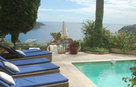 Luxury 5 bedroom houses for sale in Villefranche-sur-Mer. Three-story villa with a swimming pool and seaviews, Villefranche-sur-Mer, France