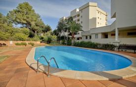 2 bedroom apartments for sale in Majorca (Mallorca). Furnished apartment with a balcony and a sea view in a residential complex with a garden and a swimming pool, Cala Vinyas, Spain