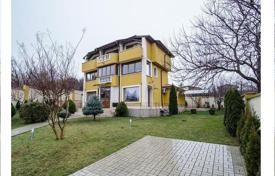 Residential for sale in Saints Constantine and Helena. Detached house – Saints Constantine and Helena, Varna Province, Bulgaria