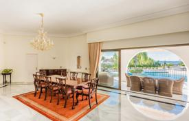 Luxury property for sale in Malaga. Beachside Villa with Panoramic Views El Paraiso