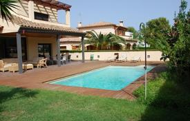 5 bedroom houses for sale in Costa Dorada. Villa – Coma-ruga, Catalonia, Spain