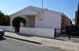 Chalets for sale in Paphos (city). 3 Bedroom Spacious Bungallow with Swiming pool — Peyia