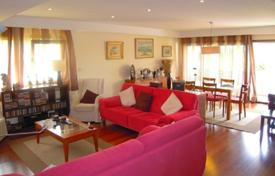 4 bedroom apartments for sale in Porto. Apartments in Ramalde, Portugal