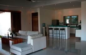 4 bedroom villas and houses by the sea to rent in Indonesia. Villa – North Kuta, Bali, Indonesia