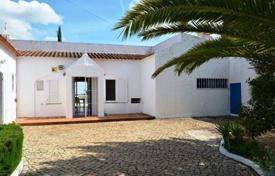 Houses with pools for sale in Faro. Villa with a pool and ocean views, Alcantarilha, Portugal