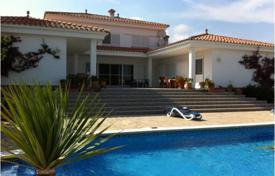 5 bedroom houses for sale in Costa Dorada. Villa with a swimming pool, Miami Playa, Spain