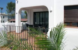 Cheap residential for sale in Calpe. New 2 bedroom townhouses with big terraces in Calpe