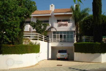 Luxury houses with pools for sale in Agios Tychon. Four to Five Bedroom Detached House