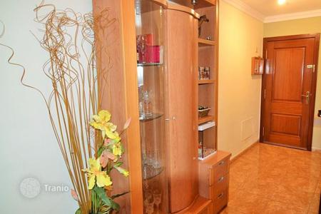 Cheap 3 bedroom apartments for sale in Canary Islands. Renoved Apartment in San Fernando