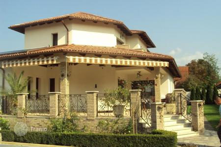 Property for sale in Pest. Almost new house, built in best quality close to Budapest