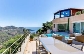 Spacious villa overlooking the bay with its own swimming pool, Theoule-sur-Mer, France for 1,690,000 €