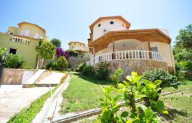 Houses with pools for sale in Western Asia. Villa with sea and mountain views in Alanya