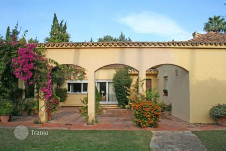 Property for sale in San Roque. Single storey villa in Triana Villas with a communal pool for the use of residents