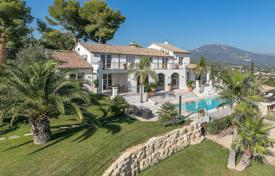 Luxury houses for sale in Opio. Cannes backcountry — Amazing contemporary villa on the top of the hill
