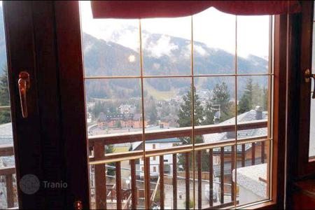 Coastal residential for sale in Ponte di Legno. Apartment – Ponte di Legno, Lombardy, Italy