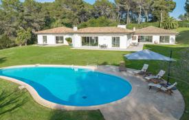 Luxury houses for sale in Muan-Sarthe. On the heights of Mougins — Le Redon