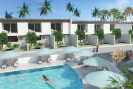 Off-plan terraced houses for sale overseas. Townhouse with sea views in the area Chong Mon