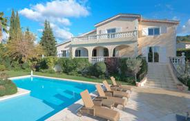Luxury 6 bedroom houses for sale in Mougins. Mougins — Provencal villa in residential area
