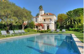 6 bedroom houses for sale in Provence - Alpes - Cote d'Azur. Superb property — Cap d'Antibes — Panoramic sea views