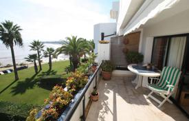 Three-room apartment on the first line by the sea, Sotogrande, Cadiz, Spain for 420,000 €