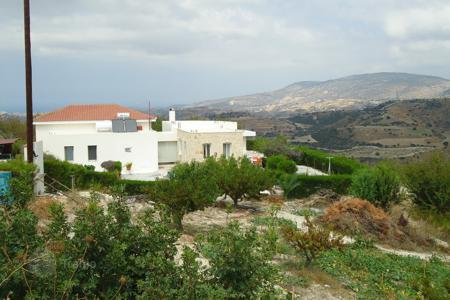 Luxury houses with pools for sale in Paphos (city). Four Bedroom Bungalow in Akourdalia