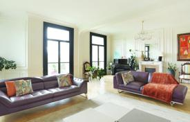 Luxury 5 bedroom apartments for sale in France. Paris 17th district — Ternes — Niel