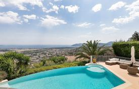 Houses for sale in Mandelieu-la-Napoule. Close to Cannes — Beautiful views