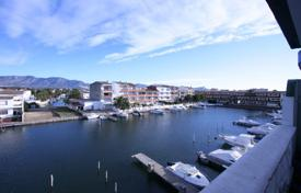 3 bedroom apartments by the sea for sale in Empuriabrava. Apartment – Empuriabrava, Catalonia, Spain