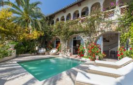 5 bedroom houses for sale in Côte d'Azur (French Riviera). Charming 280 m² villa in Villefranche-sur-mer