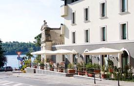 Property for sale in Lombardy. Four-star hotel with restaurant, just 150 meters from the waterfront of Lake Garda, Salo