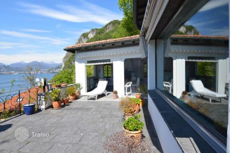 Luxury property for sale in Campione d'Italia. A cozy villa overlooking the lake in Campione d'Italy