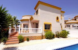 Houses with pools for sale in Guardamar del Segura. Furnished villa with a pool in El Raso, Alicante, Spain