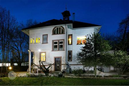 4 bedroom houses for sale in Baden-Wurttemberg. Art Nouveau villa in Eislingen