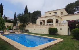 4 bedroom houses for sale in Senija. Detached villa of 4 bedrooms in Benissa